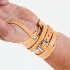 Handgelenkriemen mit Schnalle und Daumenschlaufe